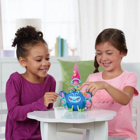 Muñeca Hasbro DreamWorks Trolls B9885 Bicho musical de Poppy - 6
